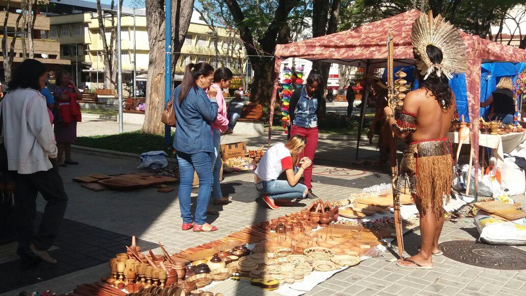 Armario Farmacia ~ Variedades Indígenas de origem Pataxó expõe artesanato